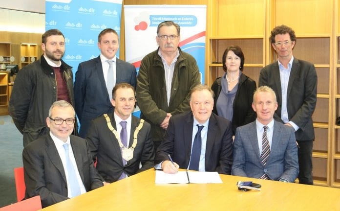 An Cathaoirleach Cllr. Tom Murphy joins dlr councillors, officials and representatives of SIAC-Mantovani at the signing ceremony in the dlr LexIcon